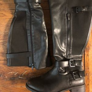 Torrid size 10 W new double buckle black boots